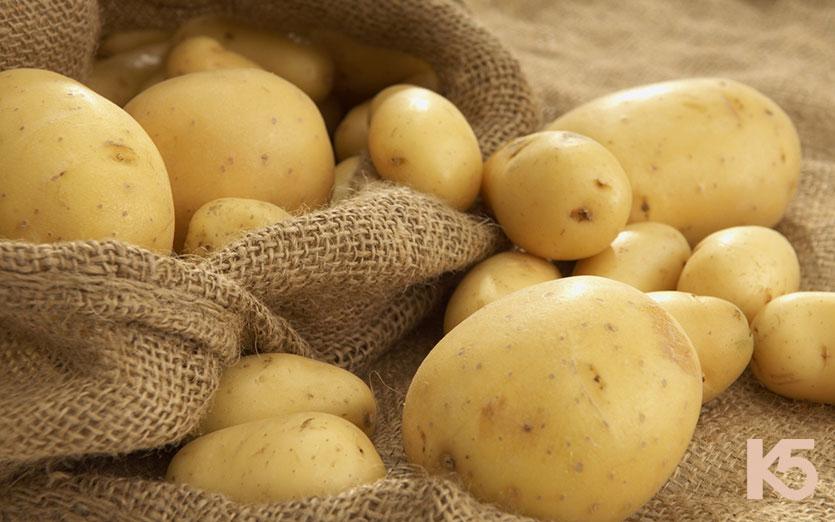 Bí quyết trị nám bằng khoai tây