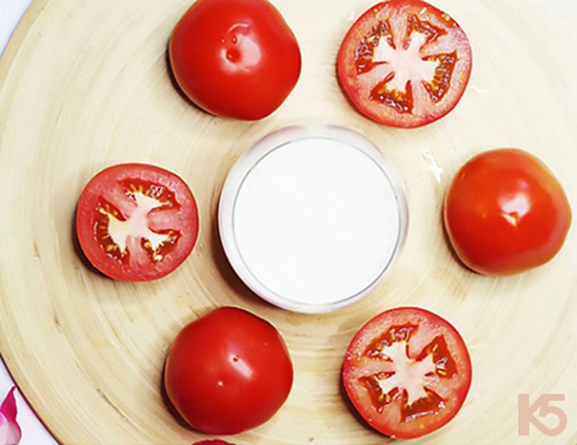 Bí quyết trị nám da tại nhà bằng cà chua kết hợp sữa chua