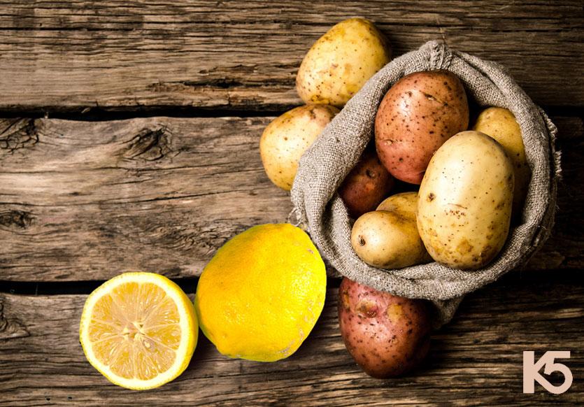 Cách trị nám bằng chanh tươi và khoai tây