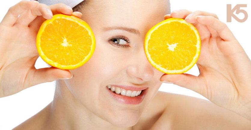 Chanh chứa vitamin giúp làm mờ thâm nám