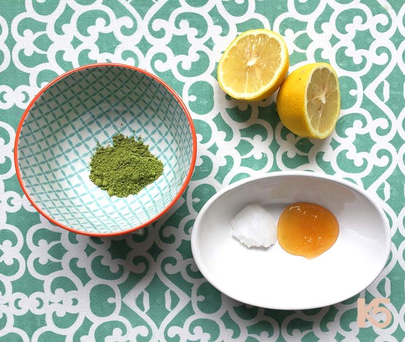Bột trà xanh, lòng trắng trứng gà và chanh
