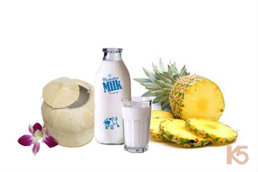 Dứa, sữa tươi và nước dừa